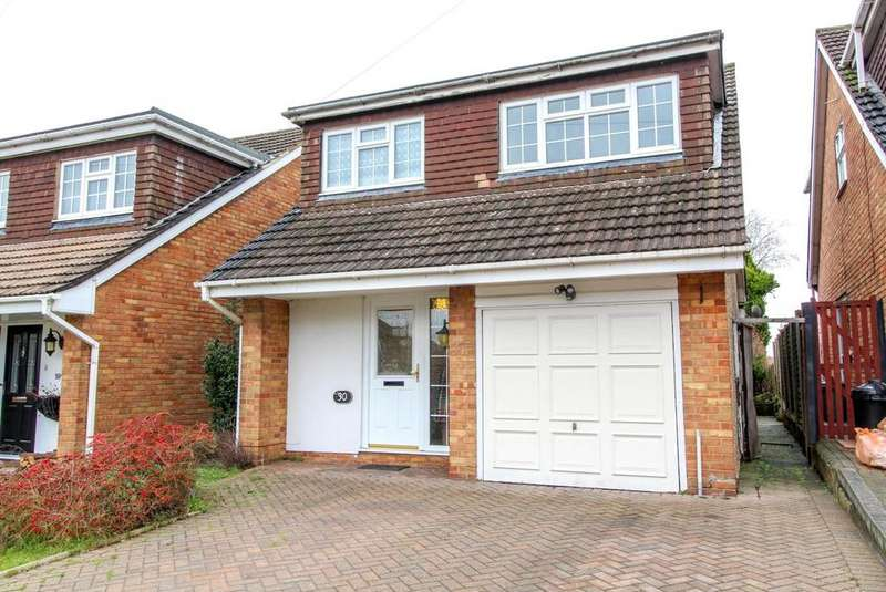 4 Bedrooms Detached House for sale in Rushdene Road, Brentwood, Essex, CM15