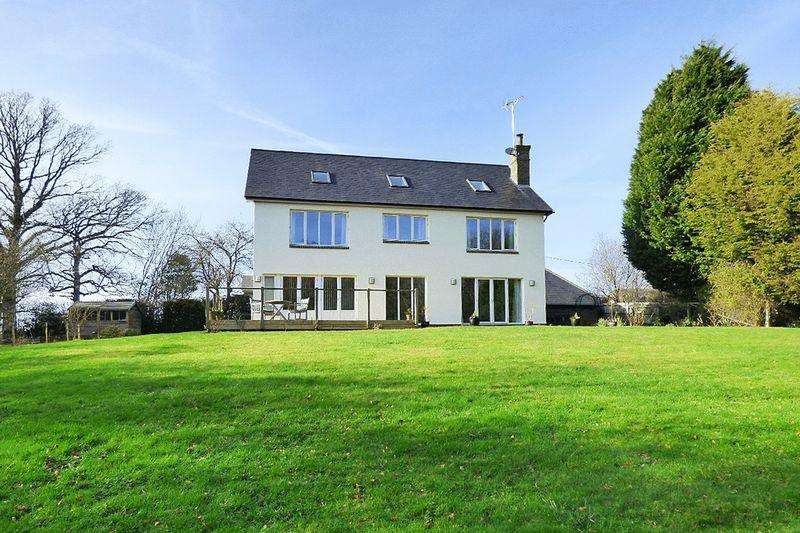 6 Bedrooms Detached House for sale in Sliders Lane, Furners Green
