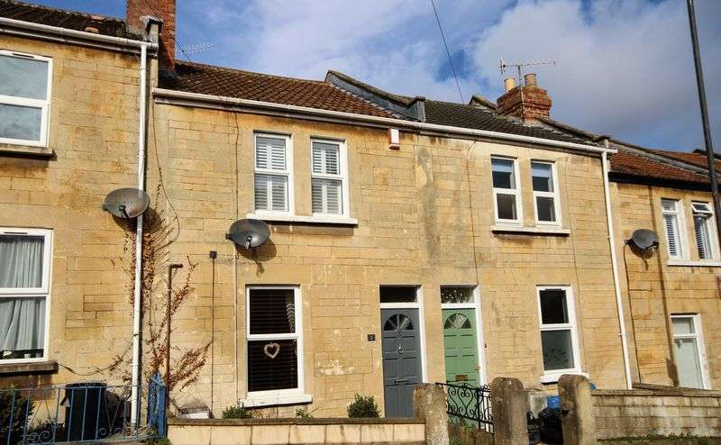 2 Bedrooms Terraced House for sale in Dartmouth Avenue, Bath
