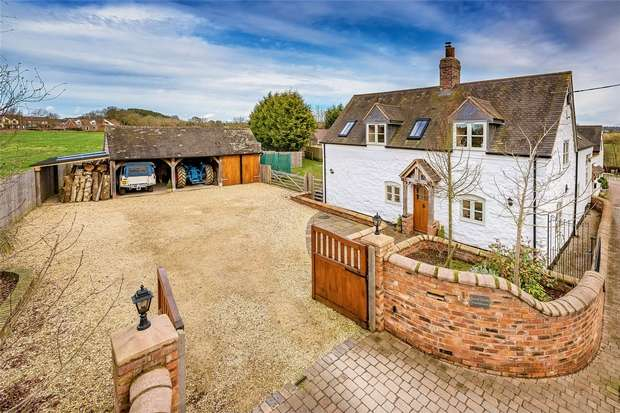 4 Bedrooms Detached House for sale in Small Heath Farmhouse, Ashford Bank, Claverley, WOLVERHAMPTON, Shropshire