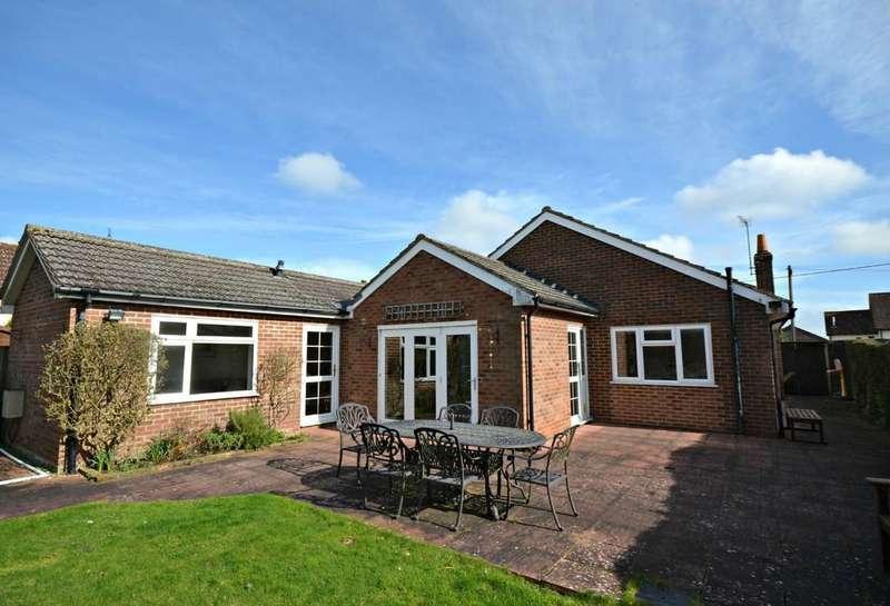 4 Bedrooms Detached Bungalow for sale in 69 Walden Road, Sewards End, Saffron Walden, Essex, CB10 2LG