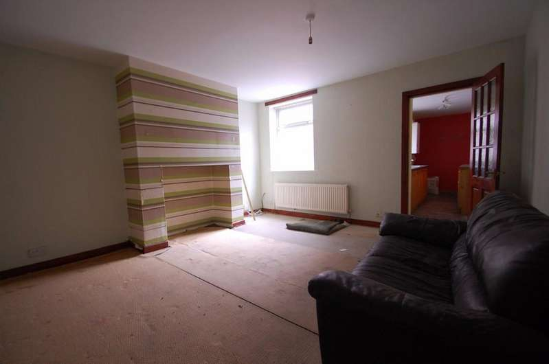 3 Bedrooms Terraced House for sale in New Wellington Street, Mill Hill, Blackburn