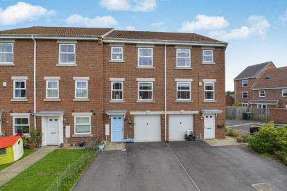 4 Bedrooms Terraced House for sale in Tom Umpleby Close, Northallerton, North Yorkshire, England