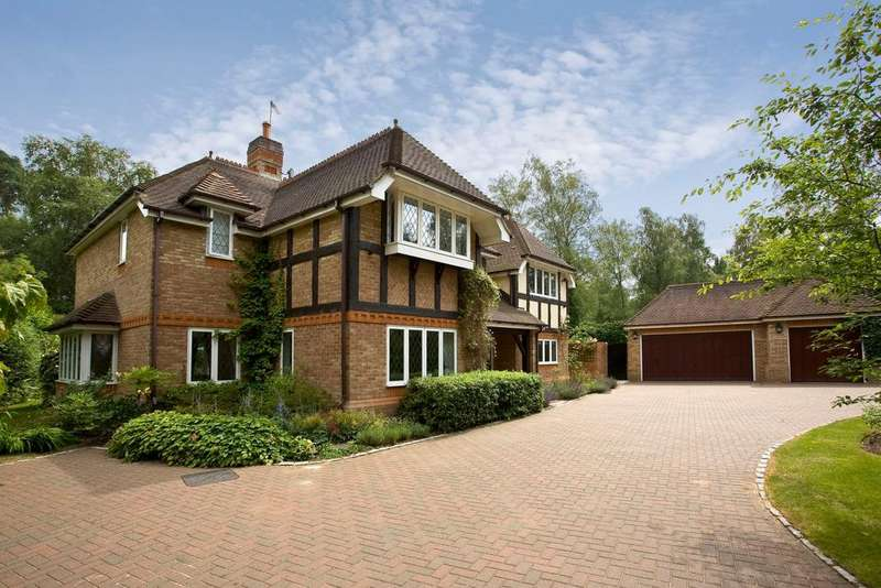 5 Bedrooms Detached House for sale in 2 Badgers Hill, Wentworth Estate, Virginia Water