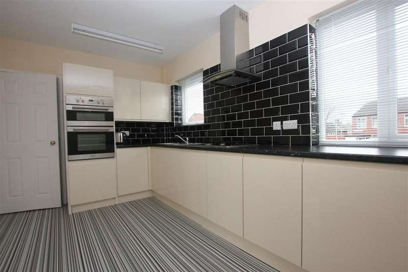 3 Bedrooms Semi Detached House for rent in Delves Place, Hackenthorpe, Sheffield S12