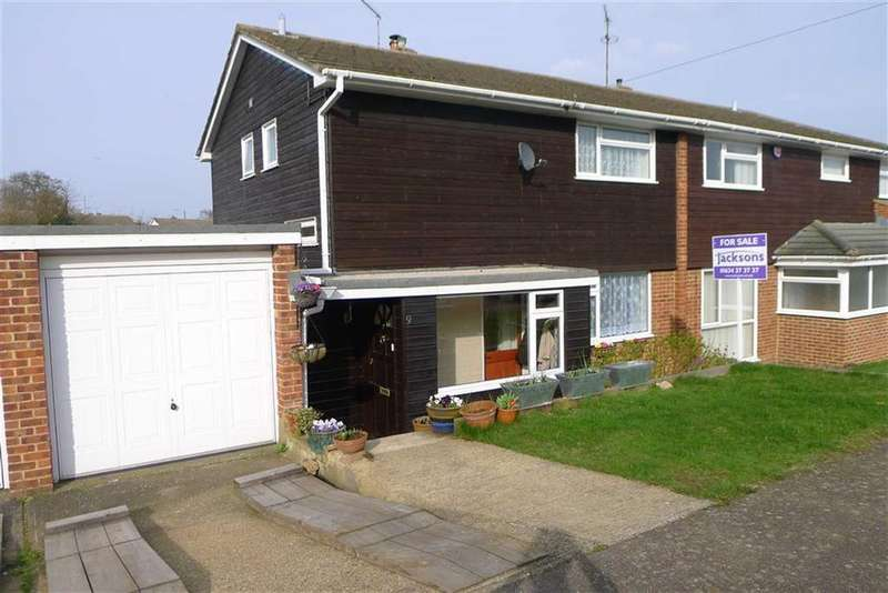 3 Bedrooms Semi Detached House for sale in Hallwood Close, Rainham, Kent, ME8