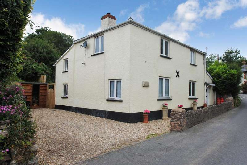 3 Bedrooms Detached House for sale in Huish Champflower, Wiveliscombe