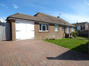 3 Bedrooms Bungalow for sale in Wicklands Avenue, Saltdean, Brighton, East Sussex