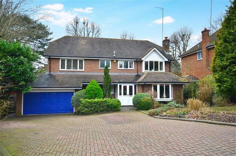 4 Bedrooms Detached House for sale in Haywood Park, Chorleywood, Hertfordshire