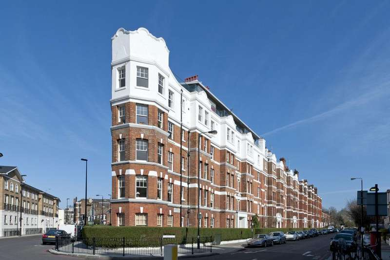 2 Bedrooms Flat for sale in Cambridge Road, SW11