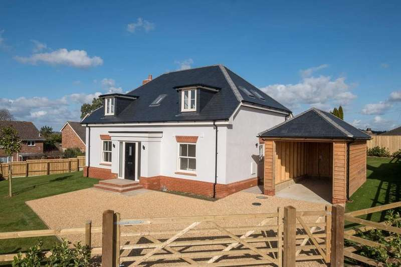 4 Bedrooms Chalet House for sale in Havenstreet, Ryde