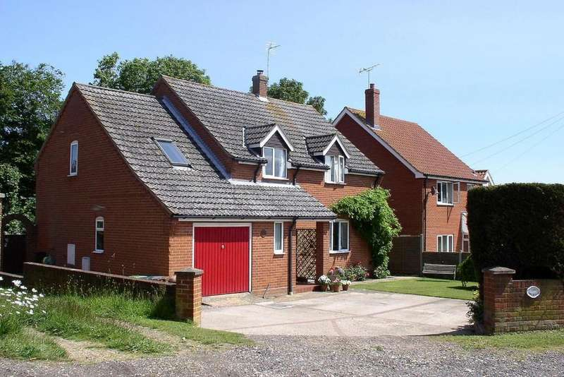 4 Bedrooms Detached House for sale in High Street, Mundesley