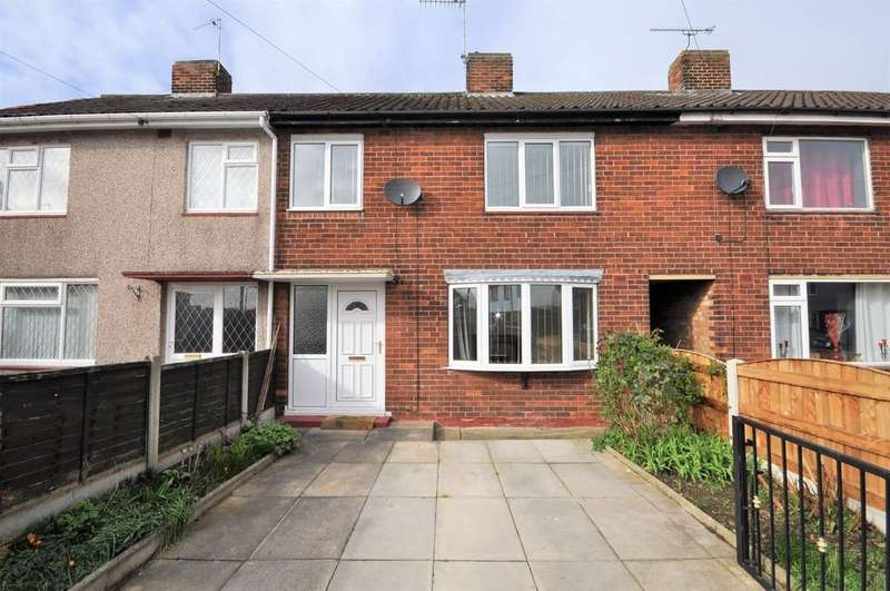 3 Bedrooms Terraced House for sale in St. Lawrence Avenue, Snaith