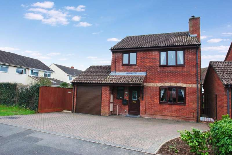 4 Bedrooms Detached House for sale in Court Road, Norton Fitzwarren