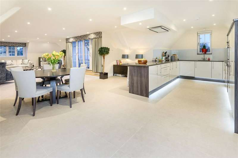 2 Bedrooms Penthouse Flat for sale in Aspin Lodge, 38 North Park, Gerrards Cross, Buckinghamshire