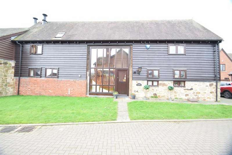4 Bedrooms Barn Conversion Character Property for sale in The Wheathouse, 3 Barnyard Close, Westbury, Shrewsbury, SY5 9DF