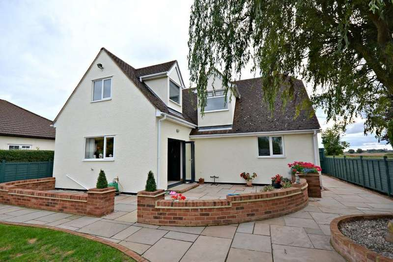 4 Bedrooms Detached House for sale in Melrose, Hempstead Road, Radwinter, Saffron Walden, Essex, CB10 2TQ