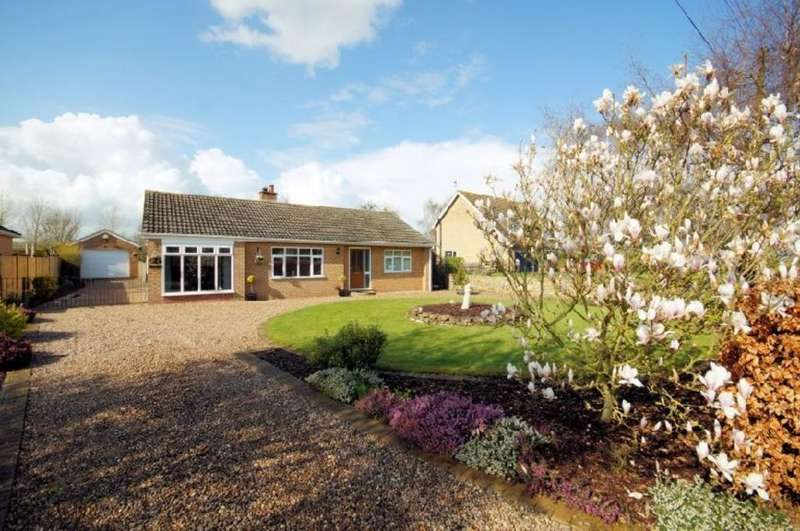 3 Bedrooms Detached Bungalow for sale in Middlefield Lane, Glentham