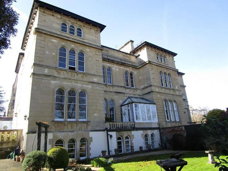 3 Bedrooms Apartment Flat for rent in Clifton Village, Christchurch Road, BS8 4EF