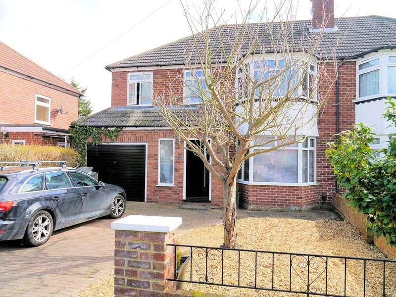 4 Bedrooms Semi Detached House for sale in Harcourt Road, Windsor SL4