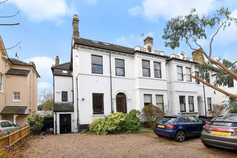 2 Bedrooms Flat for sale in Copers Cope Road, Beckenham, BR3