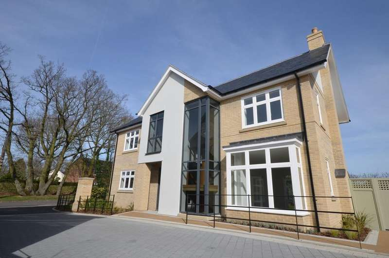 4 Bedrooms Detached House for sale in Off Lexden Road, West Bergholt
