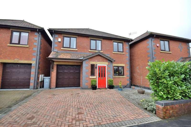 4 Bedrooms Detached House for sale in Midway Drive, Poynton