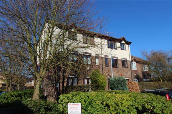 1 Bedroom Apartment Flat for sale in Hancock Court, Borehamwood