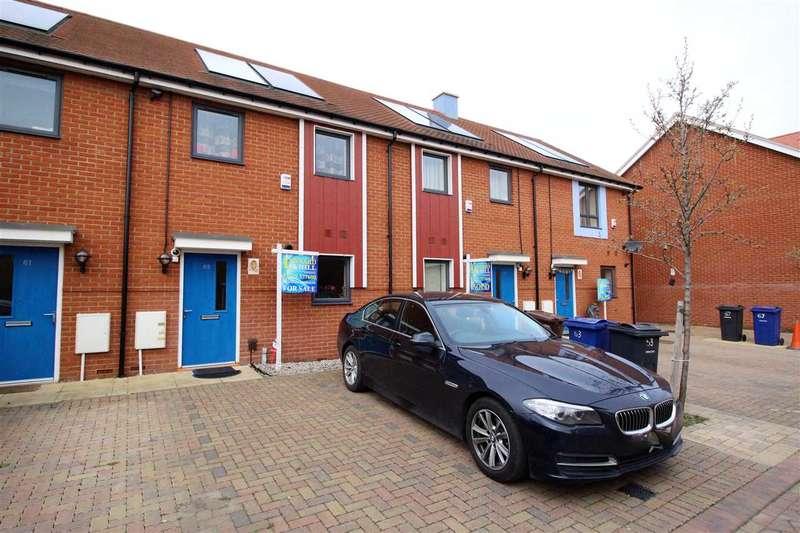 2 Bedrooms Terraced House for sale in Heathland Way, Grays