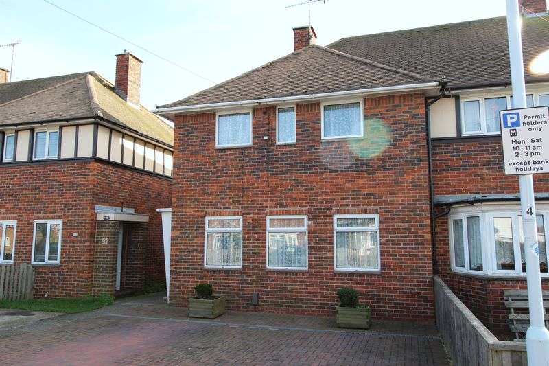 3 Bedrooms Terraced House for sale in Meadow Crescent, Worthing