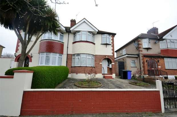 3 Bedrooms Semi Detached House for sale in Whitton Avenue West, GREENFORD, Middlesex