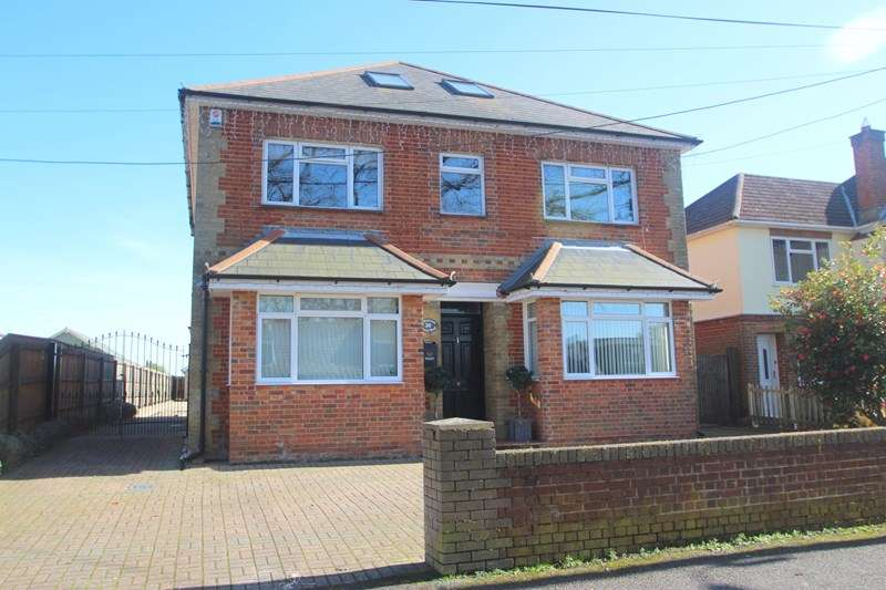 7 Bedrooms Detached House for sale in Hound Road, Southampton
