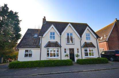 3 Bedrooms Detached House for sale in Southminster, Essex, Uk