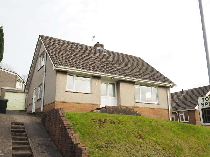 3 Bedrooms Detached Bungalow for sale in High Cross Lane, Rogerstone, Newport