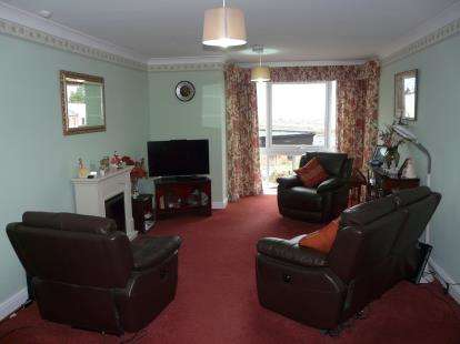 2 Bedrooms Flat for sale in Hayes Road, Paignton, Devon