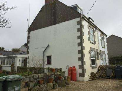 3 Bedrooms Semi Detached House for sale in Bosorne Street, St. Just, Penzance
