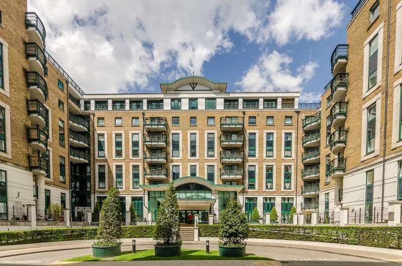 2 Bedrooms Flat for sale in Warren House, Beckford Close, Kensington, W14