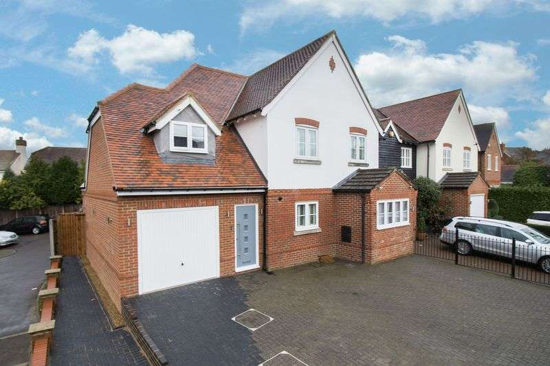 4 Bedrooms House for sale in Regents Place, Loughton