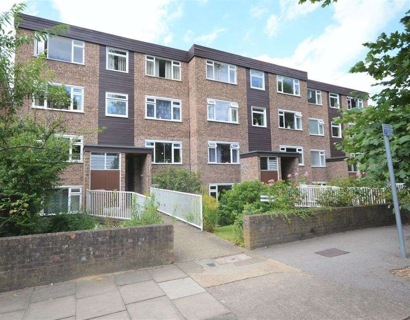 1 Bedroom Flat for sale in Lovelace Road, Surbiton