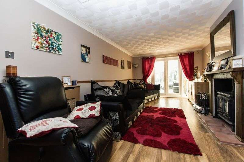 6 Bedrooms Detached Bungalow for sale in Court Close, Rollesby