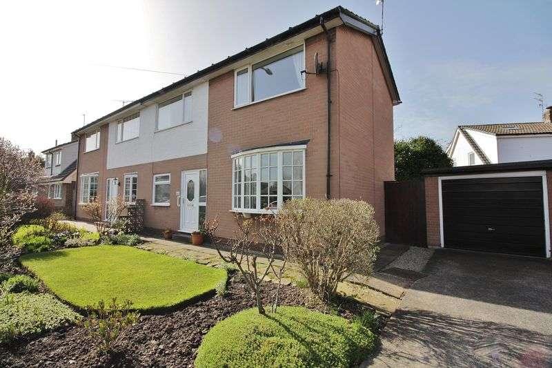2 Bedrooms Semi Detached House for sale in 42 Fleetwood Road, Poulton-Le-Fylde, FY6 7NL