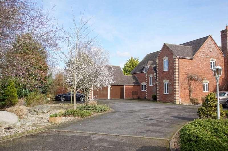 4 Bedrooms Detached House for sale in Walton Way, Wellesbourne, Warwick