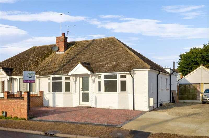 3 Bedrooms Semi Detached Bungalow for sale in Courtwick Road, Littlehampton, West Sussex