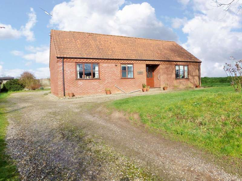 3 Bedrooms Detached Bungalow for sale in Edingthorpe, North Walsham