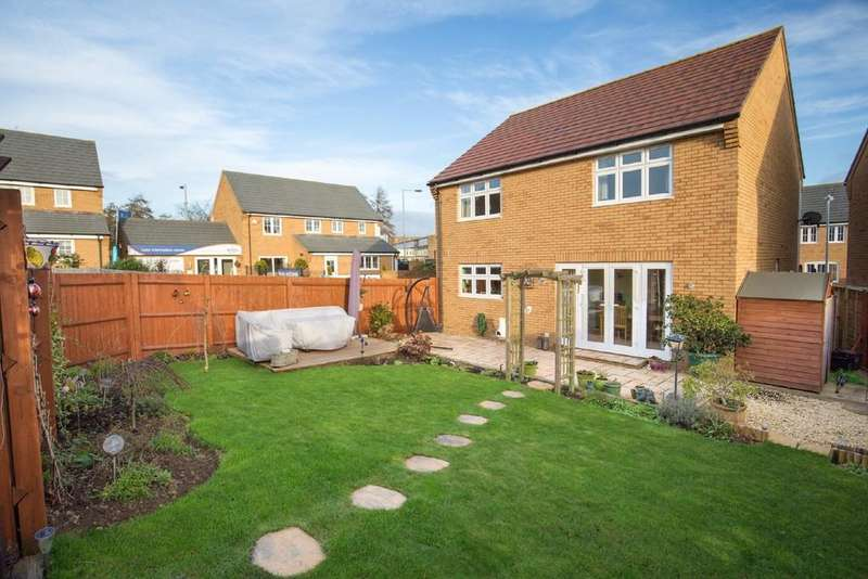 4 Bedrooms Detached House for sale in Atkins Hill, Wincanton
