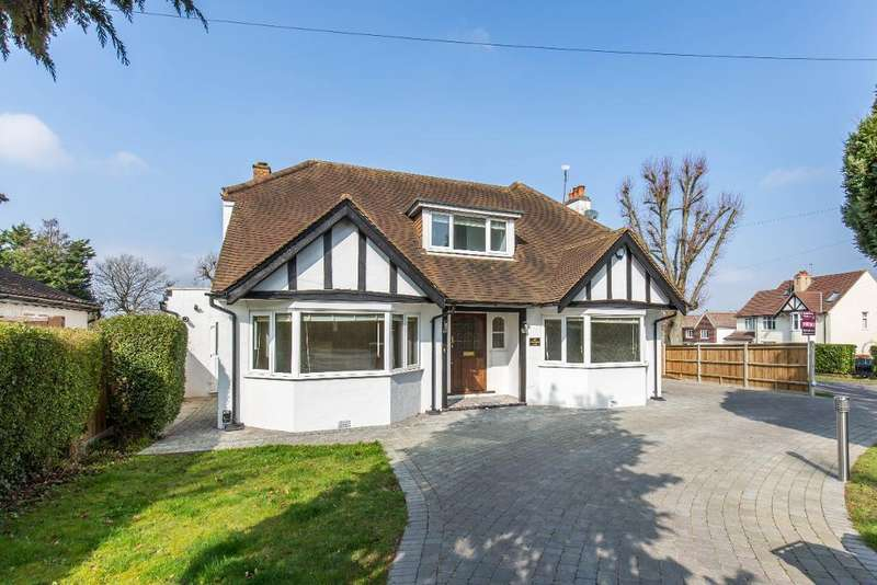 4 Bedrooms Detached House for sale in Arkwright Road, Sanderstead, Surrey, CR2 0LN