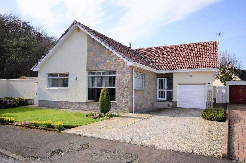 5 Bedrooms Detached Bungalow for sale in 9 Vernon Place, Dundonald, KA2 9DQ