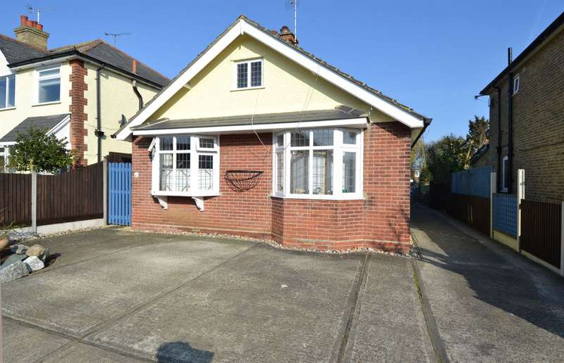 3 Bedrooms Detached Bungalow for sale in Fitzroy Road, Tankerton, Whitstable
