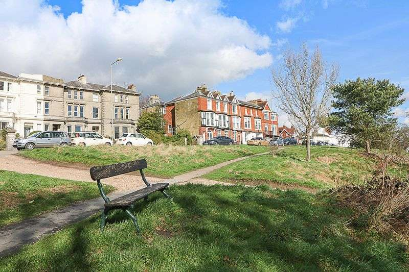 2 Bedrooms Flat for sale in Mount Ephraim, Tunbridge Wells
