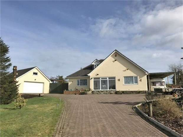 3 Bedrooms Detached House for sale in Hermon, Cynwyl Elfed, Carmarthen